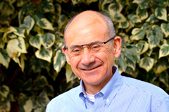 Dr. Hernán Álvarez